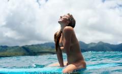 ココホー 全裸サーフィン